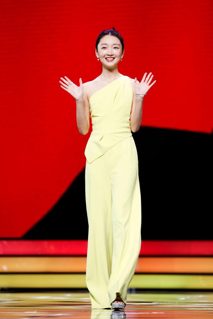 Chu Đông Vũ nổi bật ở Liên hoan phim Thượng Hải